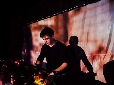 Profile photo for music artist Viktor Van River